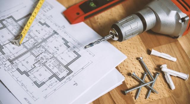 """Przegląd narzędzi do napraw i wykańczania wnętrz – lista narzędzi dla """"złotej rączki"""""""