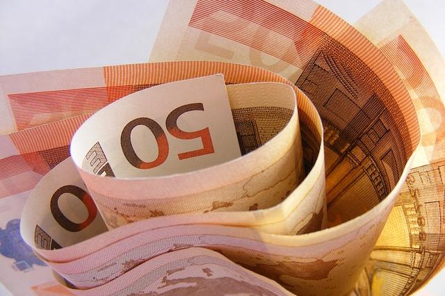 pieniadze-finanse-kalkulator-kredytowy-finansowy